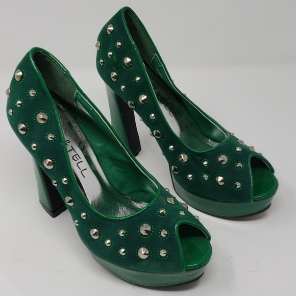 Kiss & Tell Shoes - Kiss & Tell Emerald Spiky Pumps Size 8